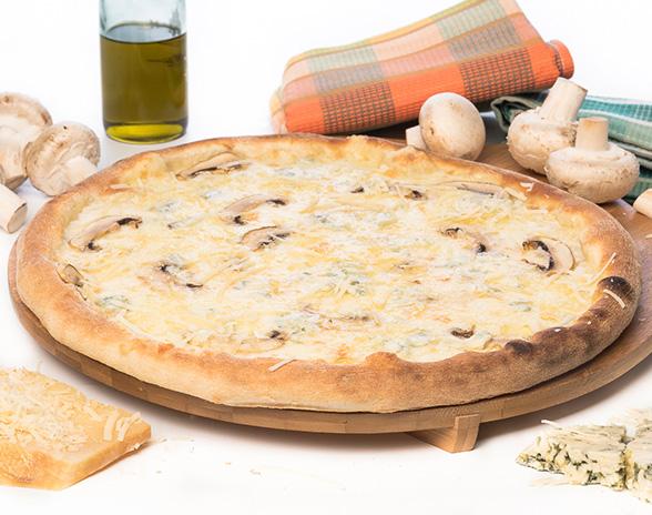 Pizza Quattro Formaggi con Funghi