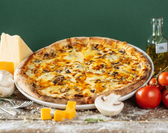 Pizza Quattro Formaggi e Funghi
