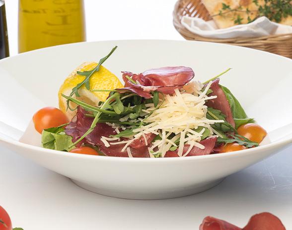 Salată cu Bresaola