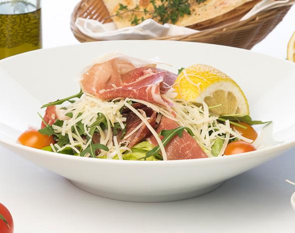 Salată cu Prosciutto Crudo