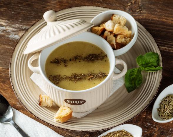 Supă cremă de dovlecel cu crutoane